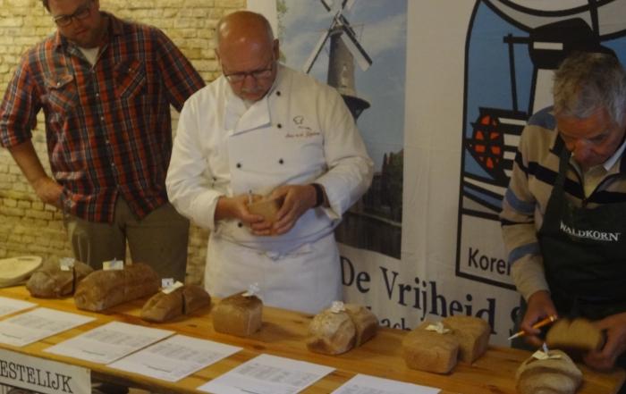Molendag koud maar gezellig, Rotterdammer bakt beste regiobrood